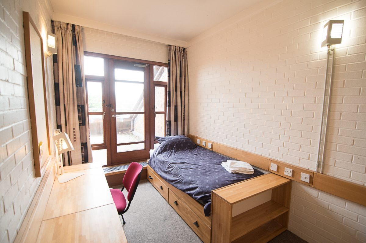 B6 Accommodation